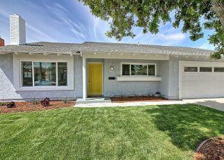 Foreclosed Home en SOPHIA DR, Oxnard, CA - 93030