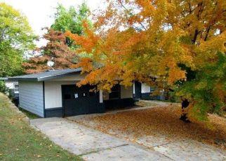 Foreclosed Home in WHITE OAK LN, Little Rock, AR - 72207