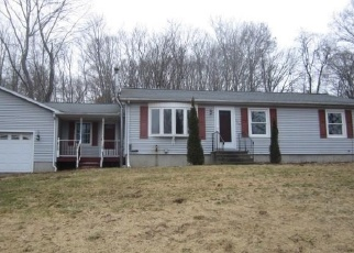 Foreclosed Home en BUNKER HILL RD, Coventry, CT - 06238