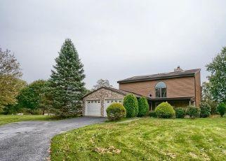 Foreclosed Home en W SIDDONSBURG RD, Dillsburg, PA - 17019