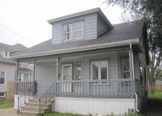 Foreclosed Home en 20TH AVE, Kenosha, WI - 53143