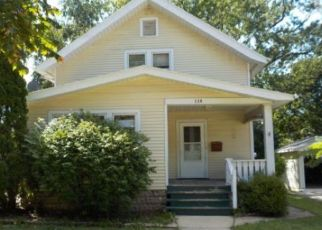 Foreclosed Home en COLUMBIA AVE, Waukesha, WI - 53186