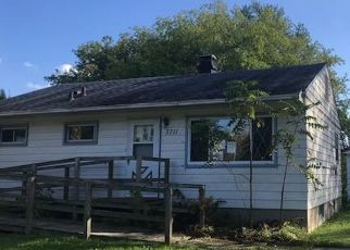 Foreclosed Home en E BECKER RD, Oak Creek, WI - 53154