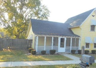 Foreclosed Home en WALWORTH ST, Sharon, WI - 53585