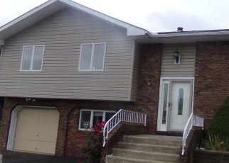Casa en ejecución hipotecaria in Wind Gap, PA, 18091,  DELAWARE AVE ID: F4317570