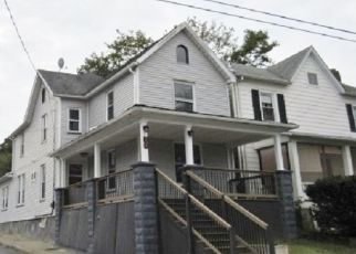 Foreclosed Home in WELLS AVE, Hampton, NJ - 08827