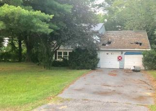 Foreclosed Home en APPLEWOOD DR, Ballston Lake, NY - 12019