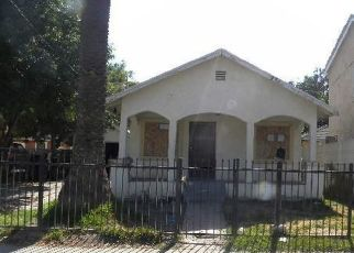 Foreclosed Home en W 8TH ST, San Bernardino, CA - 92401