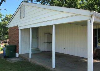 Casa en ejecución hipotecaria in Florissant, MO, 63033,  DERHAKE RD ID: F4317902