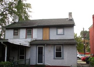 Foreclosed Home en MORRIS ST, Phoenixville, PA - 19460