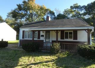 Foreclosed Home en SHERWOOD RD, Bethel Park, PA - 15102