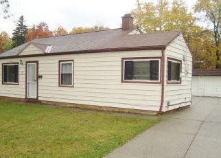 Casa en ejecución hipotecaria in Bedford, OH, 44146,  W GLENDALE ST ID: F4318274