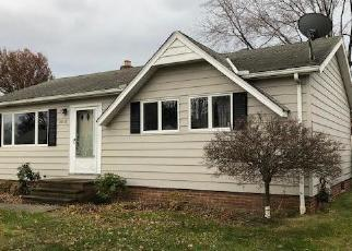 Foreclosed Home in VINEYARD RD, Eastlake, OH - 44095