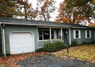 Foreclosed Home in PRINCESS AVE, Brick, NJ - 08724