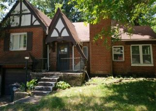 Foreclosed Home en PHILADELPHIA DR, Dayton, OH - 45406