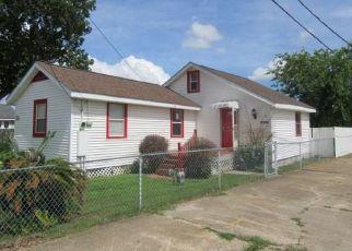 Foreclosed Home in 8TH ST, Marrero, LA - 70072