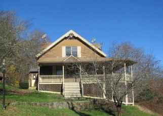 Foreclosed Home en STEELE BROOK RD, Watertown, CT - 06795