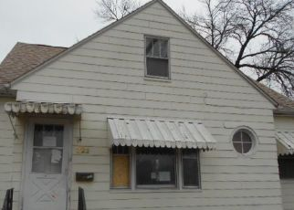 Foreclosed Home in E LOUISE ST, Waterloo, IA - 50703