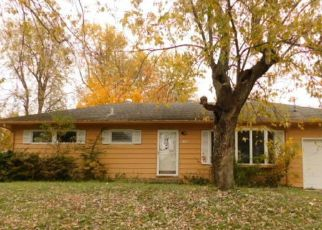 Foreclosed Home in LINDSEY AVE, Metropolis, IL - 62960