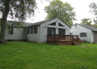 Foreclosed Home en PIONEER DR, Enfield, CT - 06082