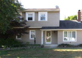 Foreclosed Home in HILLCROFT RD, Berlin, NJ - 08009