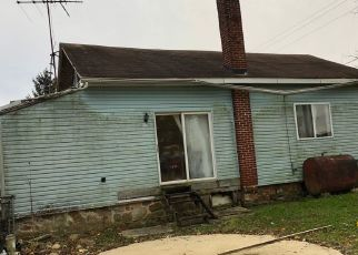 Foreclosed Home en OYSTERDALE RD, Oley, PA - 19547