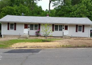 Foreclosed Home en MAYWOOD LN, Bristol, CT - 06010
