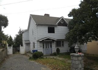 Foreclosed Home in LINCOLN AVENUE EXT, Norwalk, CT - 06854