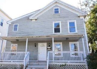 Casa en ejecución hipotecaria in Bridgeport, CT, 06608,  OGDEN ST ID: F4319430