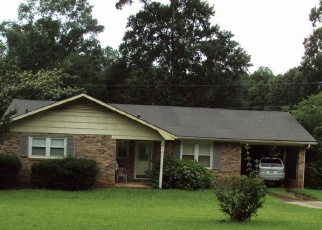 Foreclosed Home en EDGEWOOD DR, Ware Shoals, SC - 29692