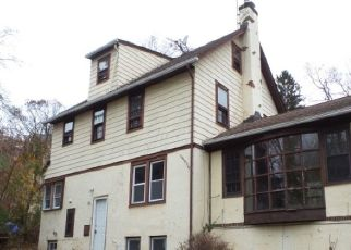 Foreclosed Home in LOWELL PL, West Orange, NJ - 07052