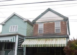 Foreclosed Home en E 13TH AVE, Homestead, PA - 15120