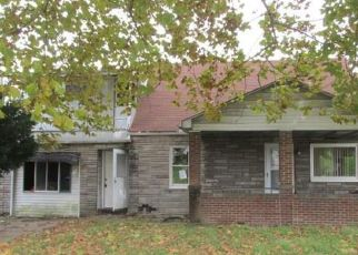 Foreclosed Home en ASCENSION DR W, West Mifflin, PA - 15122