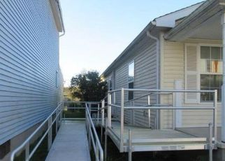 Foreclosed Home en PINE ST, Sunbury, PA - 17801