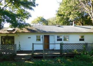 Foreclosed Home in EASY ST, Milford, CT - 06460
