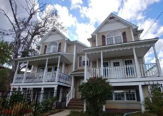 Foreclosed Home en FIRST ST, Haverstraw, NY - 10927