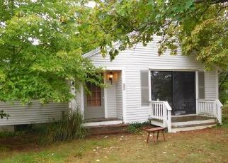 Foreclosed Home in PEMBROKE ST, Kingston, MA - 02364