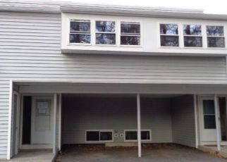 Foreclosed Home en E HILL RD, Canton, CT - 06019
