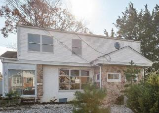 Foreclosed Home in PARKER AVE, Brick, NJ - 08724