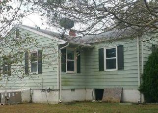 Casa en ejecución hipotecaria in Hopewell, VA, 23860,  SUSSEX DR ID: F4319982