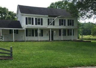Foreclosed Home in CANE VALLEY RD, Columbia, KY - 42728