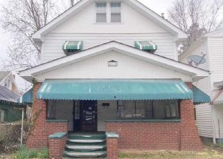 Foreclosed Home in 10TH AVE, Huntington, WV - 25703