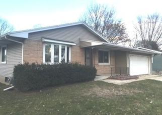 Foreclosed Home en BUNKER HILL LN, Madison, WI - 53704