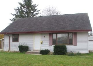 Foreclosed Home en SHELLY DR, Sheboygan Falls, WI - 53085