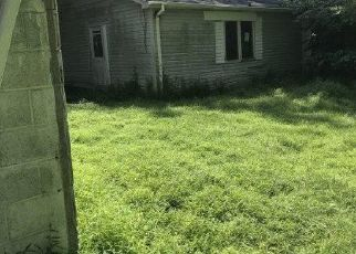 Foreclosed Home en CHESTNUT ST, Bath, PA - 18014