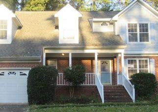 Foreclosed Home en SUPPLEJACK CT, Chesapeake, VA - 23320