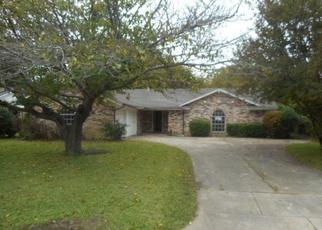 Foreclosed Home in MAHAN DR, Fort Worth, TX - 76116
