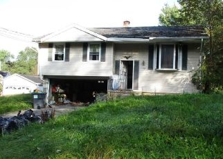 Foreclosed Home en PARK DR, Warwick, NY - 10990
