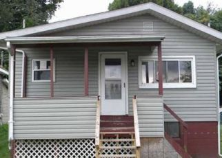 Foreclosed Home en SHORT ST, Lakemore, OH - 44250