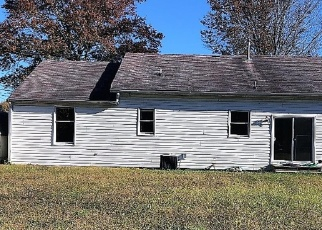 Foreclosed Home in CHURCHTOWN RD, Pennsville, NJ - 08070